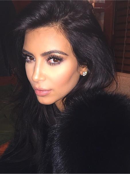 Kim Kardashian Says 'No' to #NoFilter, Photoshops her Selfies?