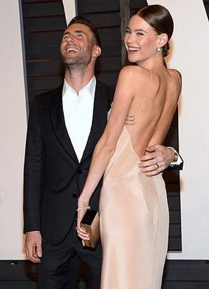 Adam Levine's Oscar Worthy Reaction to Behati Prinsloo's Nip Slip
