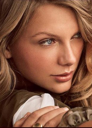 Taylor Swift and Karlie Kloss Do Galentine's and Pose for Vogue
