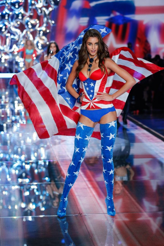Gigi & Kendall take Victoria's Secret